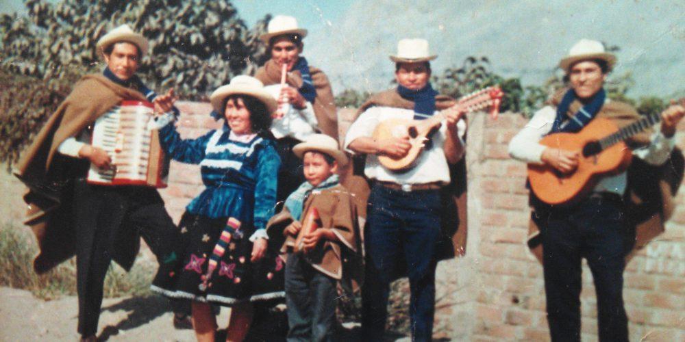 erste musikalische Erfahrungen von Chino Augusto in Peru